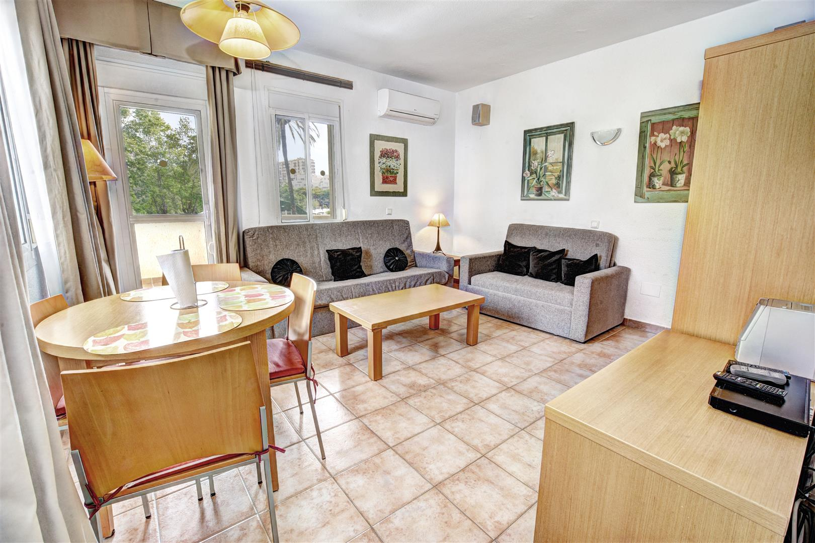 1 bed apartment for sale in Benalmadena Costa lounge