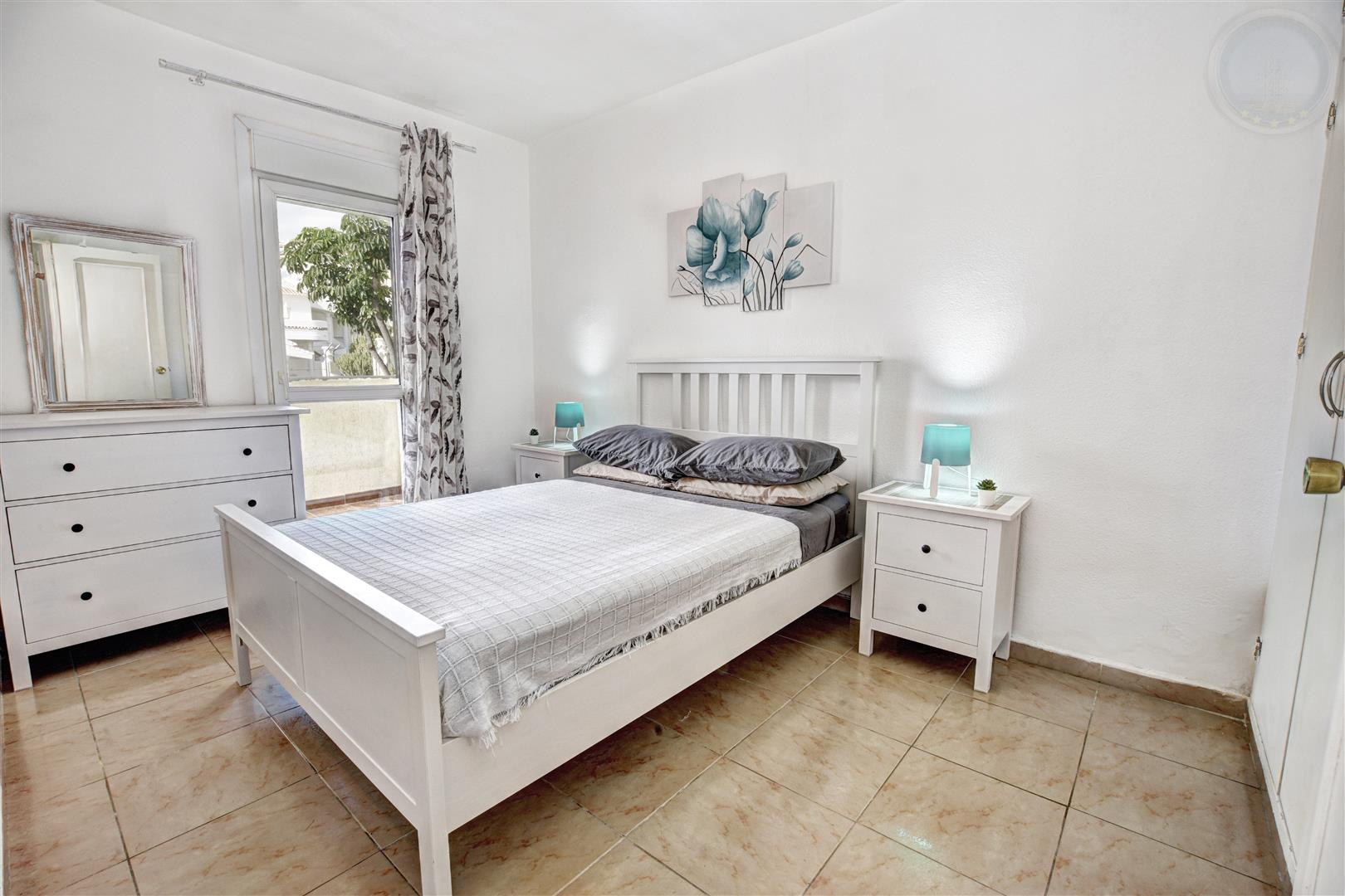 Apartment for Sale in Benalbeach bedroom