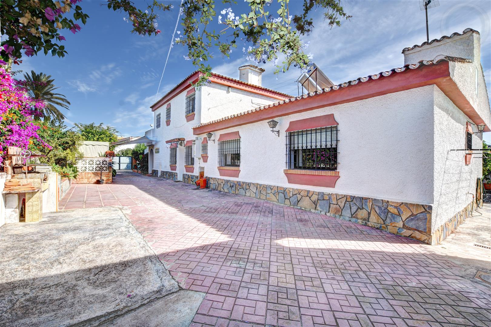 Large villa for Sale in Benalmadena Costa