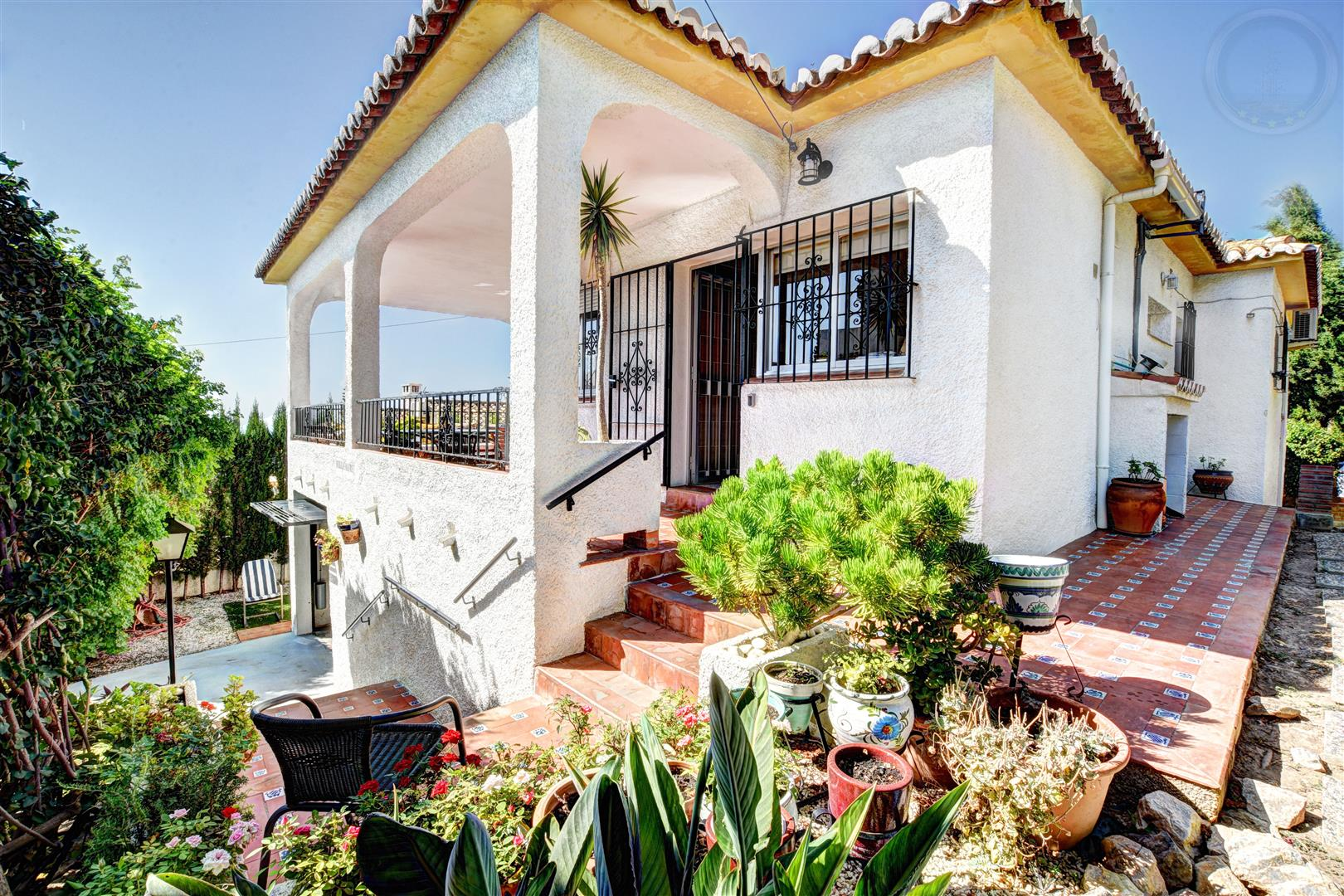 Villa for sale in Arroyo de la Miel 11
