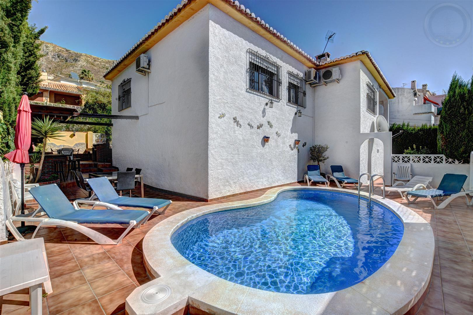 Villa for sale in Arroyo de la Miel 3